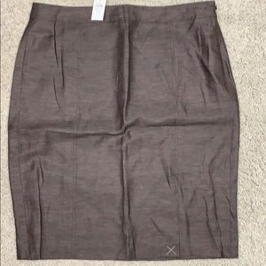 Loft NWT brown side zip lined skirt.  Size 14.